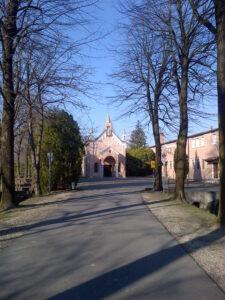 The chapel on the spot where St. Anthony climbed the walnut tree to be heard